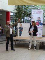 Unsere_erste_Spende_vom_Schulleiter_des_Goethegymnasiums_Herr_Breuer